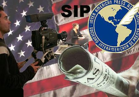 El periodista ecuatoriano y presidente de la SIP, Jaime Mantilla pide se proteja el ejercicio del periodismo