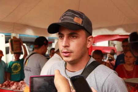 """""""Esperamos la semana que viene 1000 kilos de carne, ayer se vendieron 700kilos. Los vecinos han comprado y disfrutando los precios solidarios"""""""