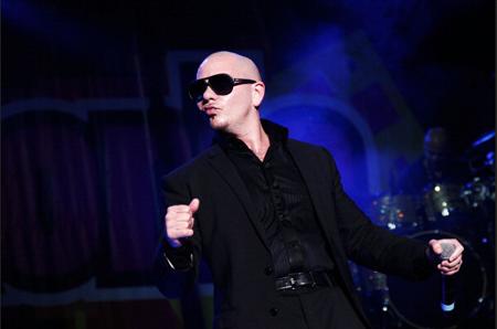 Pitbull repetirá como anfitrión de los premios American Music Awards (AMA), que se entregarán el próximo 23 de noviembre en Los Ángeles