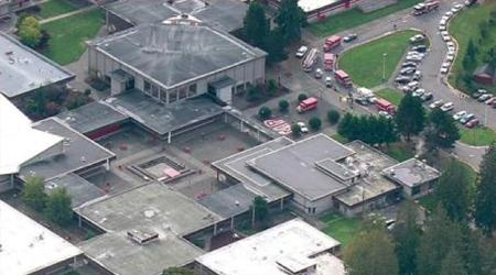 Un estudiante abrió fuego en una escuela secundaria de Estados Unidos este viernes hiriendo al menos a seis personas antes de suicidarse  AGENCIAS