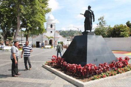 Los trabajos de restauración de la Bolívar incluyeron la construcción de una nueva escalinata amplia, así como jardines y la instalación de un parque infantil