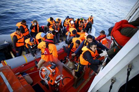 Los cuerpos de las víctimas, nueve hombres, cuatro mujeres y dos niños, fueron recuperados tanto por patrulleros griegos como de Frontex