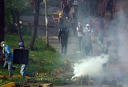 """""""Estos actos nos perjudican a todos como ciudadanos, se hace un llamado a La consciencia"""", aseguran tanto dirigente del PSUV como de PJ."""