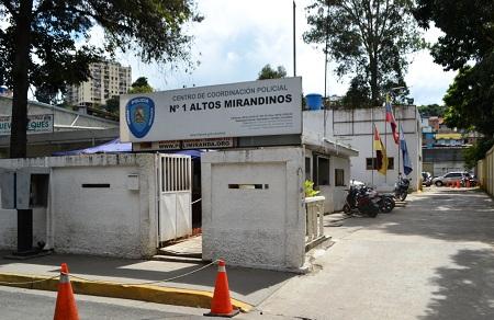 Los efectivos realizaron un operativo de verificación de ciudadanos en la avenida La Hoyada, de Los Teques.