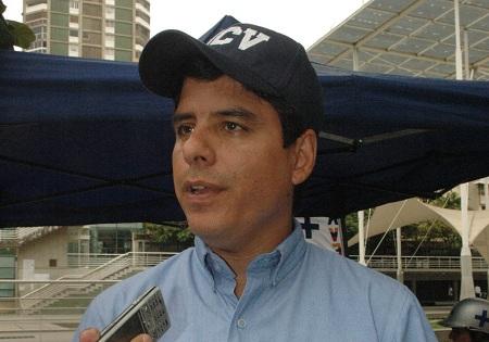 Oscar González, concejal Metropolitano
